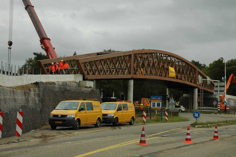 Placing of the bicycle bridge Harderwijk, Oct 2009