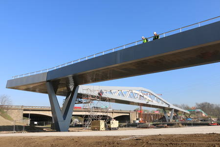 New bicycle bridge IJzerlaan opens on April 6th
