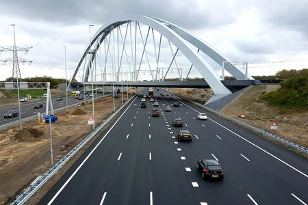 Railway Bridge Muiderberg wins Dutch Steel Award 2018