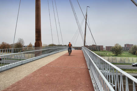 Pedestrian and Bicycle bridge across the A28, Harderwijk